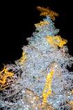 La decorazione dell'albero di natale bianco accende il primo piano Immagine Stock Libera da Diritti