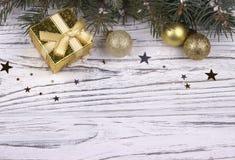 La decorazione di Natale con argento e le palle blu stars i fiocchi di neve Fotografie Stock