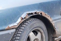 La defensa oxidada del coche Fotos de archivo libres de regalías