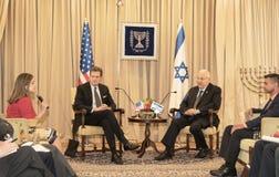 La delegación del congreso de Estados Unidos encuentra con a Israel Presidente Foto de archivo