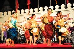 La demostración cultural de la danza del tambor Imagen de archivo libre de regalías