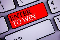 La demostración de la nota de la escritura entra para ganar Las fotos del negocio que muestran el premio recompensan el premio da fotos de archivo libres de regalías