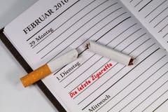 La dernière cigarette? que vous devriez cesser le fumage ! Image stock