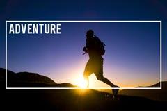 La destinazione del viaggiatore di avventura esplora il concetto di viaggio immagine stock libera da diritti