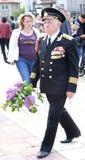La deuxième guerre mondiale Vetrans arrivent au mémorial de Chisinau Image libre de droits