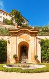 La deuxième terrasse du jardin de Palffy sous le château de Prague Images stock