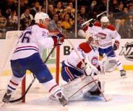 La défense des Canadiens de Montréal. Photographie stock