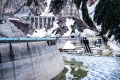 La diga dei mountian della neve del Giappone immagini stock libere da diritti
