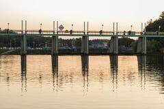 La diga ha riflesso in acqua Fotografia Stock