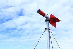 La direzione del vento di misura in rosso Fotografia Stock