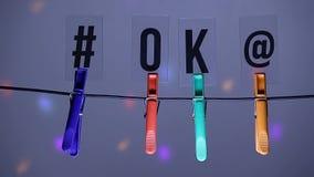 La disco de symbole de courrier des textes d'ok de pince à linge n'allument personne longueur de hd clips vidéos