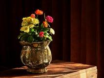 La disposición local de las rosas en un país busca día del ` s de la tarjeta del día de San Valentín Imagenes de archivo