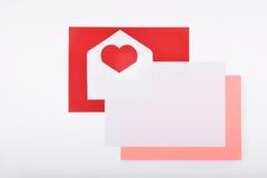 La disposición se opone en el tema - día del ` s de la tarjeta del día de San Valentín Imagenes de archivo
