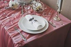 La disposizione della coltelleria sulla tavola Fotografia Stock