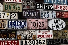 La diverse vieille carte grise plaque de partout dans le monde à la muse Image stock
