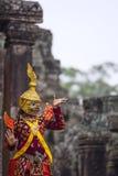 La divinità indù con i gesti di mani ha rimesso in vigore da un attore in colorfu Immagine Stock