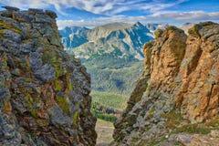 La divisoria continental extensa del rastro Ridge Road en Rocky Mountain National Park fotos de archivo