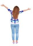 La donna accoglie felicemente qualcuno Ondeggiamento della ragazza Fotografia Stock Libera da Diritti