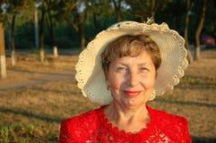 La donna anziana. Immagini Stock