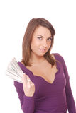 La donna attraente cattura un lotto di 100 fatture del dollaro Fotografia Stock Libera da Diritti