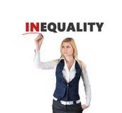 La donna bianca ha scritto la diseguaglianza di parola dell'indicatore Immagine Stock Libera da Diritti
