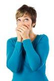 La donna con cosegna la sua bocca Fotografie Stock Libere da Diritti
