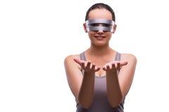 La donna con i vetri techni isolati su bianco Immagine Stock Libera da Diritti