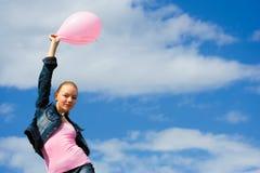 La donna con un aerostato Immagini Stock Libere da Diritti