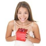 La donna del regalo si è sorpresa Fotografie Stock Libere da Diritti
