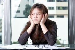 La donna di affari è sollecitata Fotografie Stock Libere da Diritti