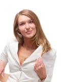 La donna di affari bionda attraente in rivestimento bianco, è Immagini Stock Libere da Diritti