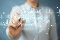 La donna di affari che usando l'interfaccia medica digitale con una penna 3D si strappa Fotografia Stock