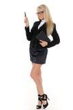 Donna di affari con il ceppo e la penna quotidiani. Fotografia Stock