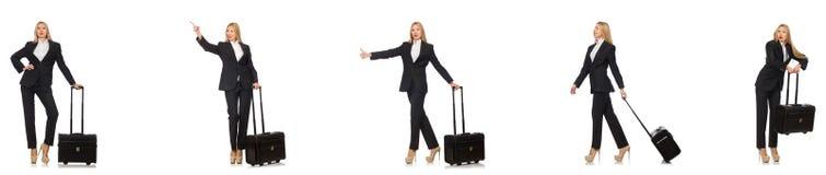 La donna di affari con la valigia isolata su bianco immagine stock libera da diritti