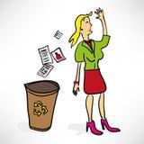 La donna di affari getta i documenti Immagini Stock