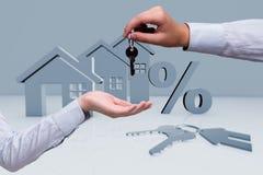 La donna di affari nel concetto di ipoteca di bene immobile Immagine Stock Libera da Diritti