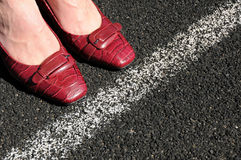 La donna di affari pianta la riga di traverso corporativa Fotografia Stock