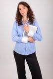 La donna di affari sta lavorando con la sua compressa Immagine Stock Libera da Diritti