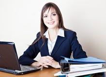 La donna di affari sul lavoro fotografie stock