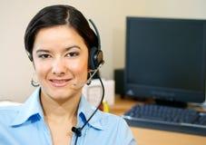 La donna di servizio di assistenza al cliente in pieno fronteggia fotografie stock