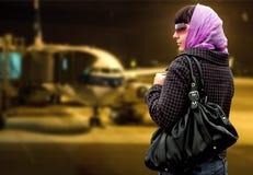 La donna di viaggio Fotografie Stock Libere da Diritti