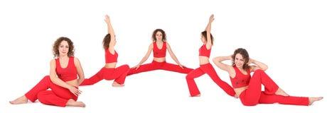 La donna di yoga si siede cinque gruppi Fotografie Stock