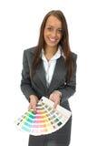 La donna dimostra la gamma di colori Immagini Stock