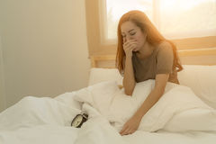 La donna graziosa sveglia appena Fotografia Stock Libera da Diritti