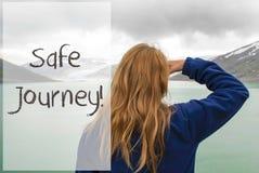 La donna in Norvegia, manda un sms al viaggio sicuro Immagine Stock