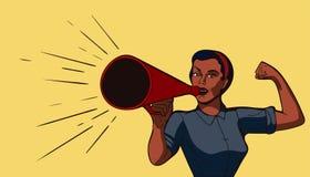 La donna parla in un potere della ragazza del megafono Fotografie Stock Libere da Diritti