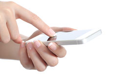La donna passa la tenuta ed il contatto dello schermo dello Smart Phone Fotografia Stock Libera da Diritti