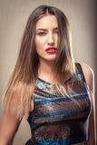 La donna sensuale con le labbra rosse e la discoteca completano Immagine Stock Libera da Diritti