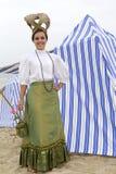 La donna si è vestita in vestiti dell'annata Fotografie Stock Libere da Diritti