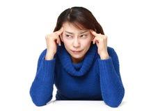 La donna soffre dall'emicrania Immagini Stock Libere da Diritti